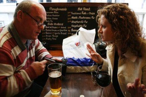 John & wendy @ the sherlock holmes pub 032209 LR