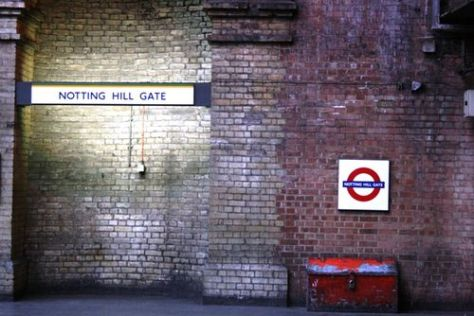 Notting hill gate tube station 02 032309 LR