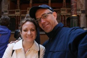 Tom and wendy at the globe 032009 LR