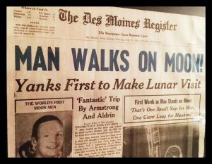 DM Register Man Walks on Moon