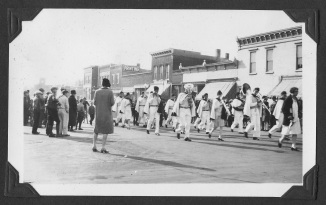 1920s Pella Advance Parade Pics2