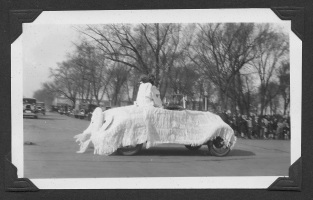 1920s Pella Advance Parade Pics4