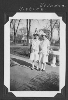 1920s Pella Advance Parade Pics9