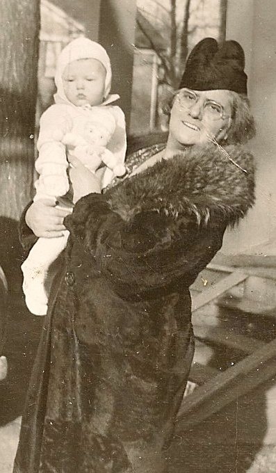 My Great-Grandmother, Daisy Yeater, holding my mother.