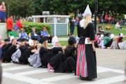 Dutch dancers at the Tulip Toren.