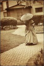 20150507 Wendy Vander Well as Maria Scholte in her Garden