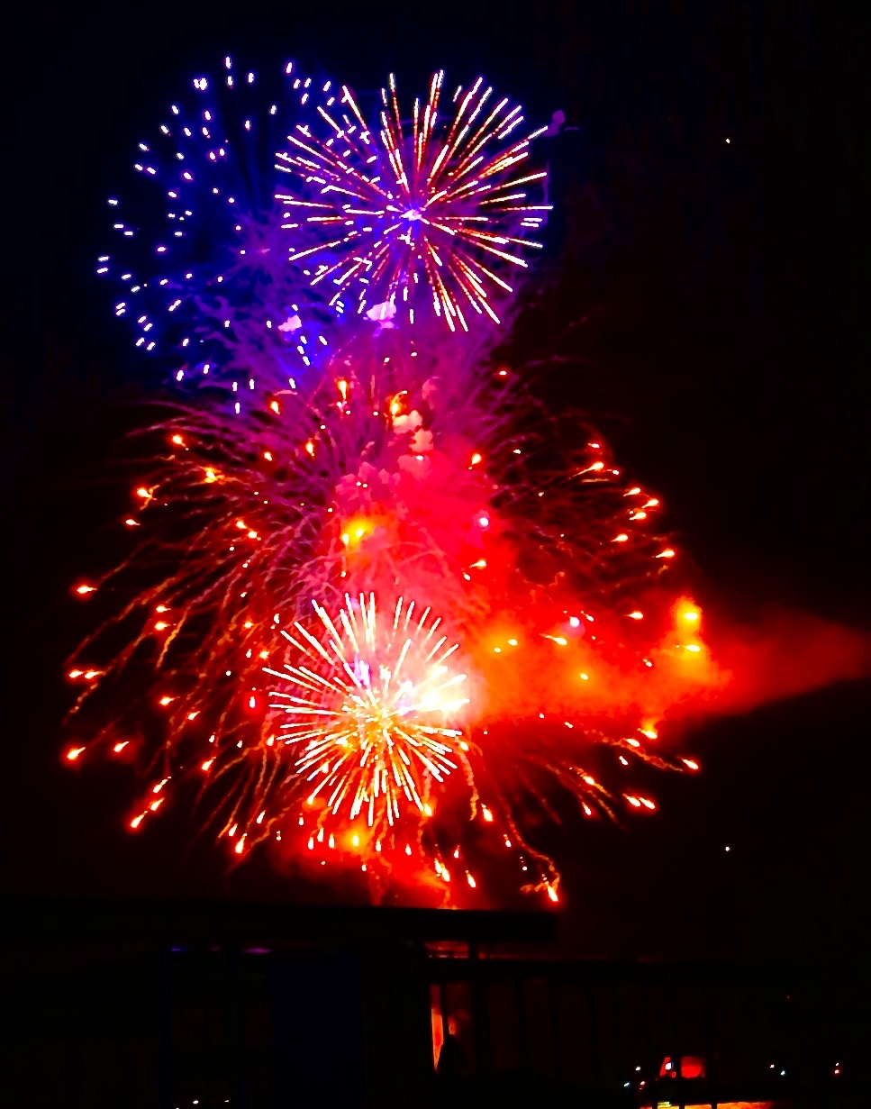 2015 07 03 Fireworks Over the Lake1315 (1)