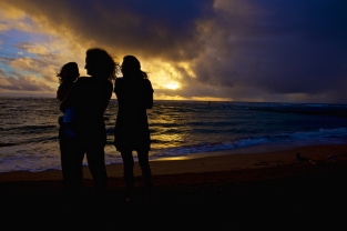 sisters-at-sunrise-in-kauai