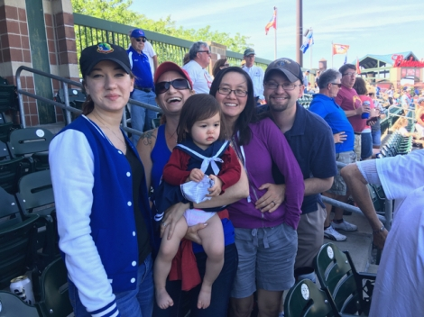 tom-and-wendy-and-fam-at-i-cubs-3