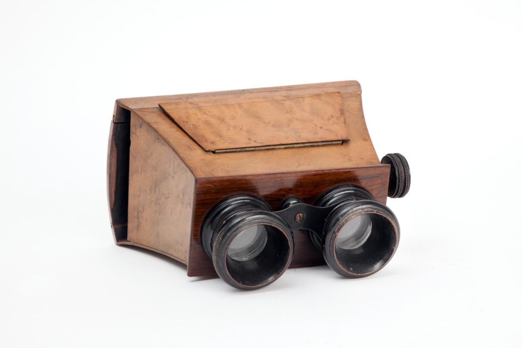 Visore stereoscopico portatile, con messa a fuoco manuale