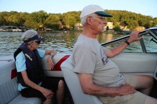 2017 06 Lake with Jody Dad Mom VW - 12
